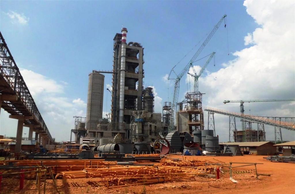 Nueva fábrica de cementos Tuban (Indonesia)